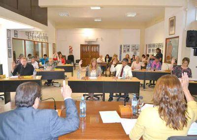 El Concejo habilit� el aumento de tasas, Agua Potable y Saneamiento Urbano, pero posterg� el de las tarifas de remises