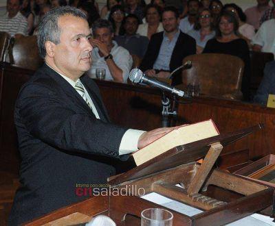 Asumieron los concejales y Alejandro Armendáriz fue electo presidente del HCD