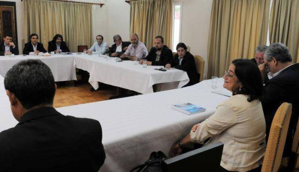 Este viernes asumen los nuevos ministros del gabinete de Lucía Corpacci
