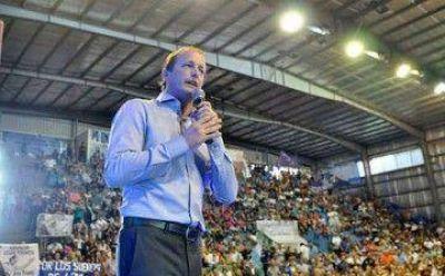 Insaurralde asumió un nuevo mandato y le agradeció a CFK y Scioli
