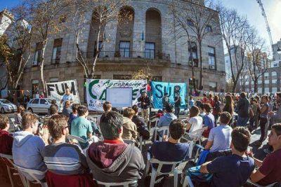 Universitarios reclaman que Arroyo reglamente el boleto estudiantil