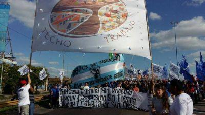 """Francisco exhortó a los movimientos populares a seguir luchando por las """"3T"""""""