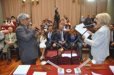 El veto de Buzzi a la emergencia será analizado por la Legislatura