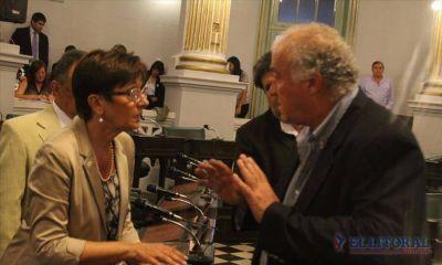 La oposición se abroquela y quiere que Vaz Torres explique el Presupuesto 2016