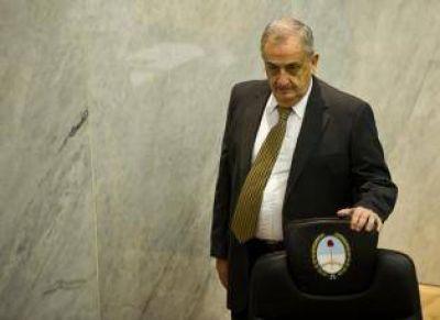 Según Ruiz Olivares, la presidencia de la Legislatura decidía sobre los gastos sociales