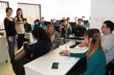 Utedyc entrega certificados de estudios de su Centro de Formación Profesional