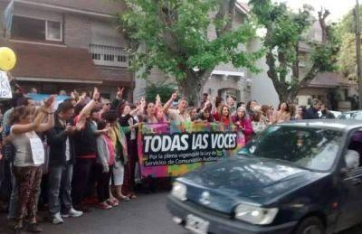 """Abrazo al AFSCA en Mar del Plata: """"Quieren volver a la ley de la dictadura"""""""