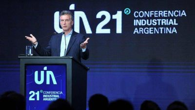"""Macri desde la UIA: """"No habrá más retenciones a la exportación industrial"""""""