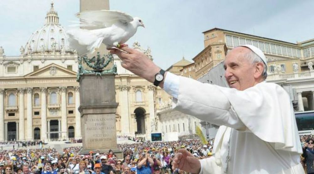 Vaticano presenta mensaje del Papa Francisco para Jornada Mundial de la Paz 2016