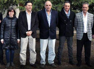 El Intendente Giubetich descubre el desastre que dejaron las gestiones Cant�n y Grasso