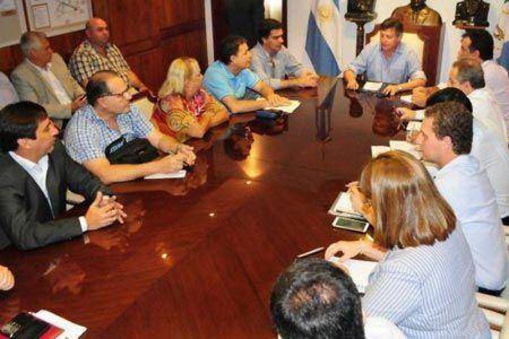 Peppo convocó a intendentes del Area Metropolitana para coordinar agenda de trabajo integrado