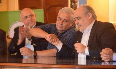 Provincia y Municipio inauguran nueva etapa política con rúbrica de firmas