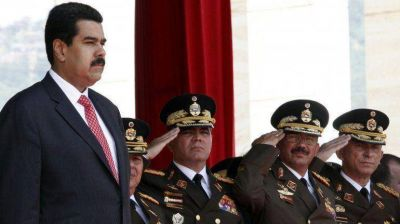 Advierten que el Parlamento Comunal de Nicol�s Maduro es
