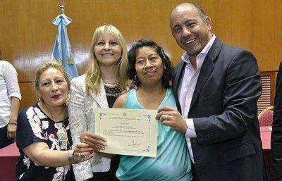 Más de 100 mujeres del programa Ellas Hacen terminaron el secundario