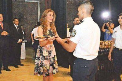 La Gobernadora promovió a 123 nuevos Oficiales de la Policía
