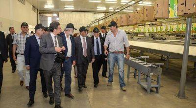 """Manzur: """"Desde el gobierno provincial respaldamos el trabajo cooperativo"""""""