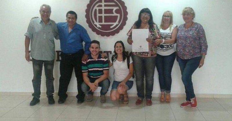 EL SINDICATO DE EMPLEADOS MUNICIPALES FIRMA CONVENIO CON EL CLUB LANUS