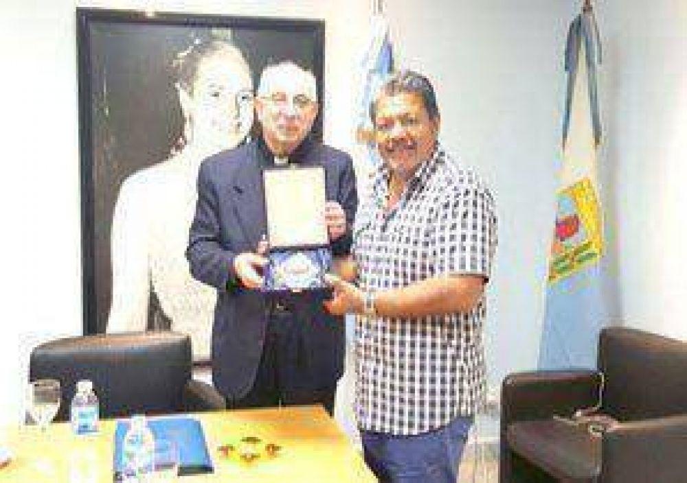 Acuerdo entre el Arzobispado de Mercedes-Luján y la conducción de la UOCRA