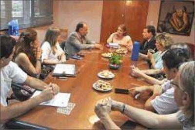 Buscan fortalecer acciones entre el Gobierno provincial y la UNaM