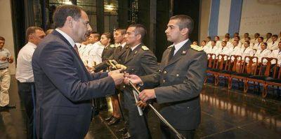 Se suman a la tarea policial 44 nuevos oficiales subayudantes recién egresados