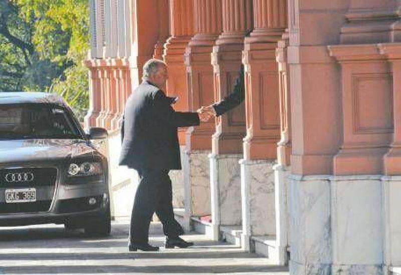 Kirchner, Grondona y Magnetto: historia secreta de un apriete