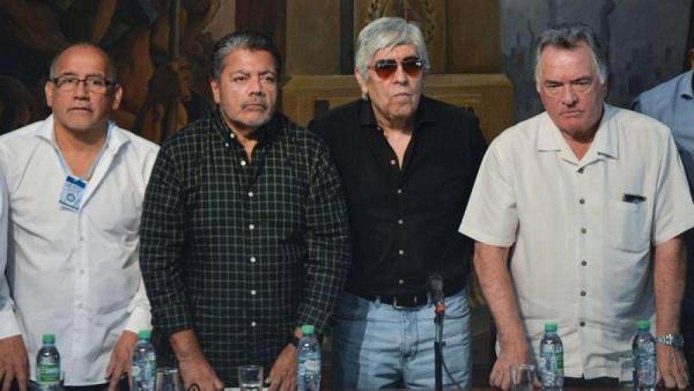 Los gremialistas tendrán mañana su primera reunión en la Rosada, pero sin Macri