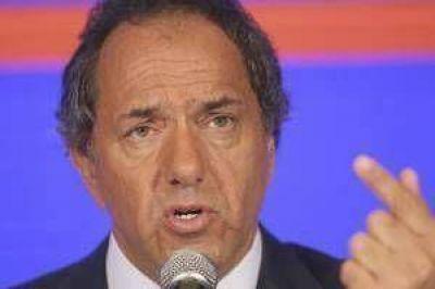 Scioli, con senadores de FpV: