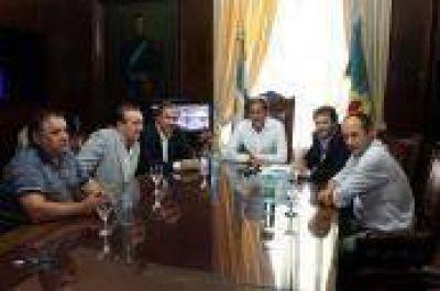 La Plata: El massismo se reunió con Garro para