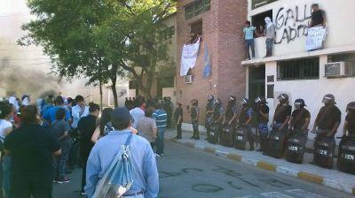 Empleados protestan frente al municipio de Valle Viejo