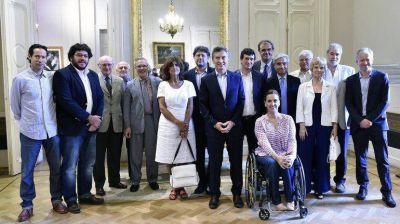 Mauricio Macri se reunió con intelectuales en la Casa Rosada