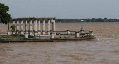 El Paraná alcanzó su pico y se inició un tenue descenso de las aguas