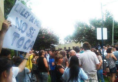 Masiva marcha de santafesinos en apoyo a la Ley de medios y la Afsca
