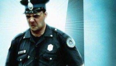 Policía: un traspaso a cara de perro