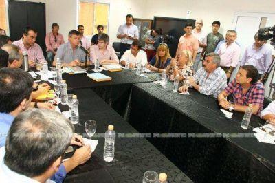 Peppo reunió al Comité de Emergencia y transfirió fondos a los municipios afectados por la crecida