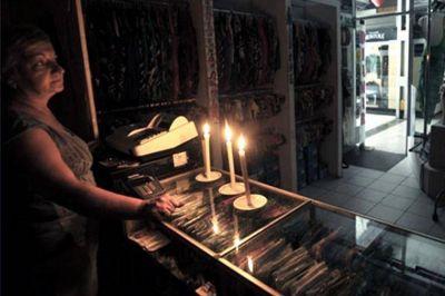 Hay casi 30.000 usuarios afectados por los cortes de luz en el área metropolitana