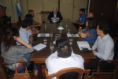 Verna con representantes regionales del Consejo de la Niñez