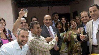 Manzur brindó con dirigentes capitalinos en el barrio El Alto