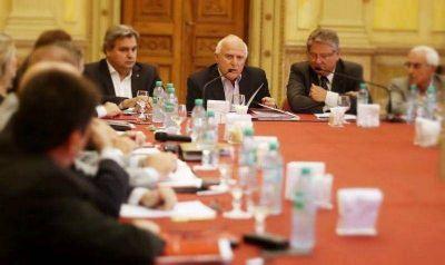 Con especial énfasis en las inundaciones, Lifschitz encabezó la primera reunión de gabinete en Rosario