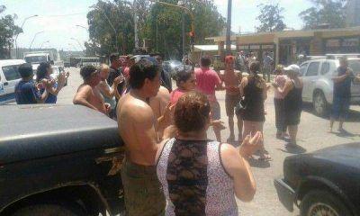 Vecinos indignados se manifiestan por la falta de agua en diferentes barrios