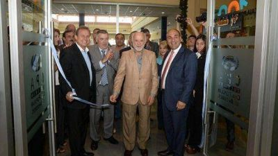 Manzur inauguró una sucursal de la Caja Popular en Lomas de Tafí