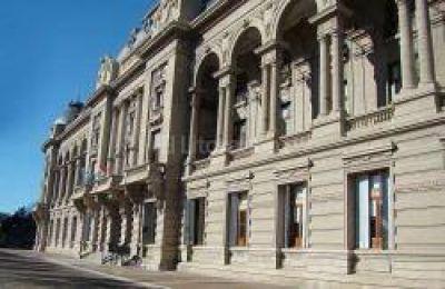 El Gobierno provincial comenzó a recibir los fondos que ordenó la Corte
