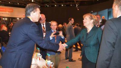 Macri busca encontrarse en Davos con la canciller Merkel a solas