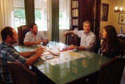 Guillermo Pacheco se interesa en los programas que implementa el ministerio de Trabajo