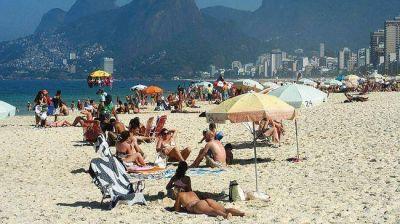 Aluvión de argentinos en Brasil: llegarán más de dos millones durante el verano