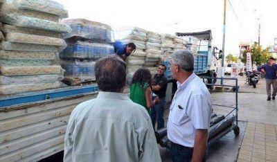 San Juan envi� camiones con ayuda para los afectados del Litoral