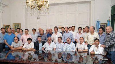 Intendentes kirchneristas se ponen al frente de la negociación del presupuesto con Vidal