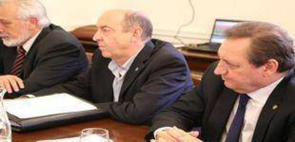 Emergencia hídrica: El Gobierno coordina acciones con municipios y comunas