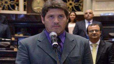 """""""A Scioli le firmaron cheques en blanco durante ocho años"""""""