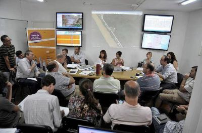 Crecida del Paraná: el Intendente encabezó la reunión del Centro de Operaciones