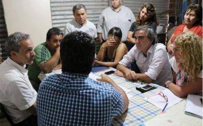 Desarrollo Social continúa recorriendo barrios brindando asistencia a vecinos